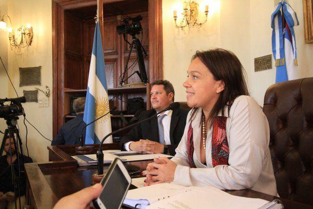 Josefina Etienot tiene un duro trabajo en el recinto. Foto Archivo.