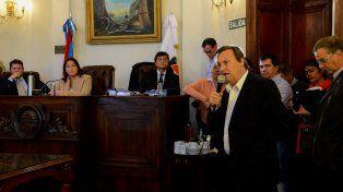 Varisco le habló a los concejales que quedaron en la sesión y a los militantes.