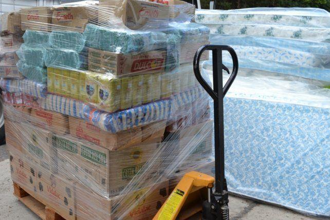 La alimentos que llegarán a los vecinos damnificados.