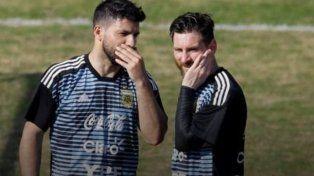 Se filtró un curioso video de Sergio Agüero y Lionel Messi en plena concentración de la Argentina