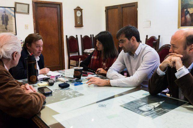 El encuentro se dio este lunes al mediodía en el despacho municipal.