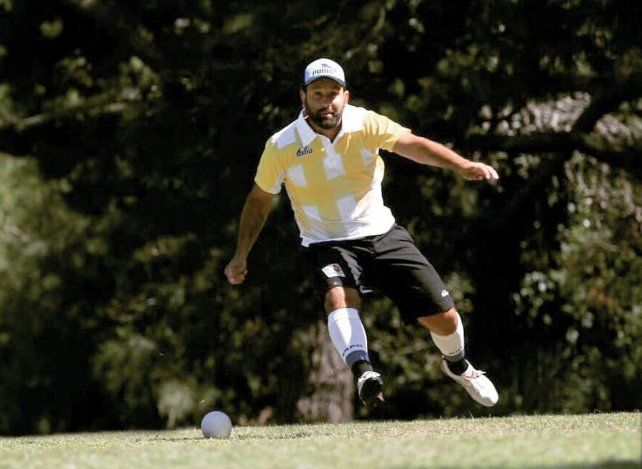 Gran gesto técnico. El jugador la está rompiendo en la provincia donde es puntero del Ranking y además es protagonista a nivel nacional.