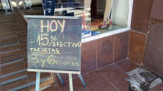 ¿Cómo enfrentan la crisis y la baja en las ventas, los comerciantes paranaenses?