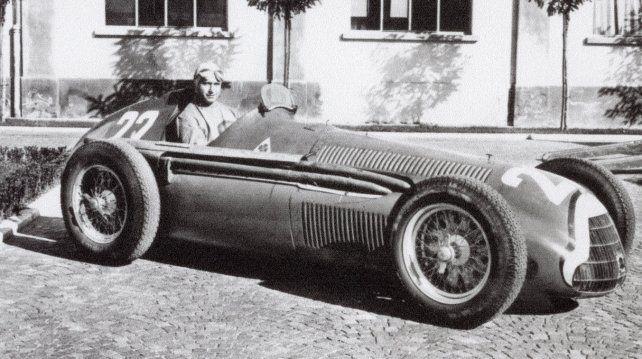 <div><b>Ganador.</b> Juan Manuel Fangio en la Alfetta 158 ganadora del Campeonato Mundial de 1951</div>