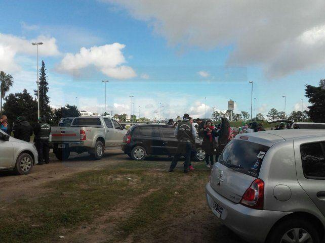 Paraná. El paro de camioneros se realiza con los vehículos al costado de las rutas.