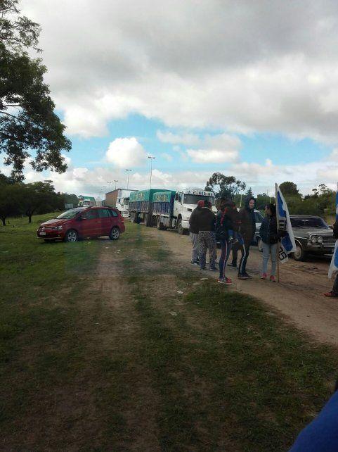 Paraná. Camioneros se manifiestan sin ocasionar inconvenientes en el tránsito