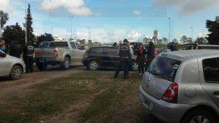 Paraná. El paro de camioneros se realiza a la vera del Acceso Norte