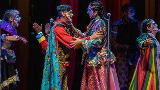 Un abrazo que muestra la nueva imagen de la Falta y Resto.