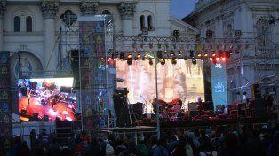 Espectáculos musicales. Cuatro bandas locales de jóvenes universitarios abrieron ayer la Vigilia por la Reforma Universitaria