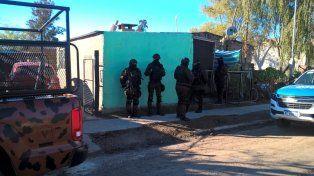 Grupos especiales. En Bovril se detuvo a seis personas en los cuatro allanamientos.