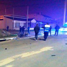 Un motociclista perdió la vida tras ser embestido por un auto