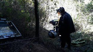 Uniformados trabajando en la zona donde encontraron el cuerpo.