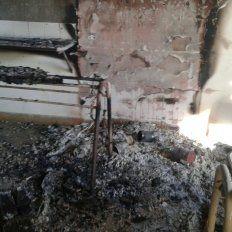 Intencional. El fuego causó daños importantes a la institución.
