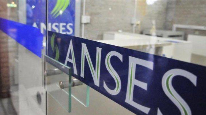 Comienza el pago de haberes con aumento para jubilados y pensionados de Anses