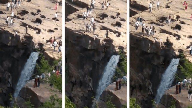 Murió por sacarse una selfie: bajó por una cascada y resbaló