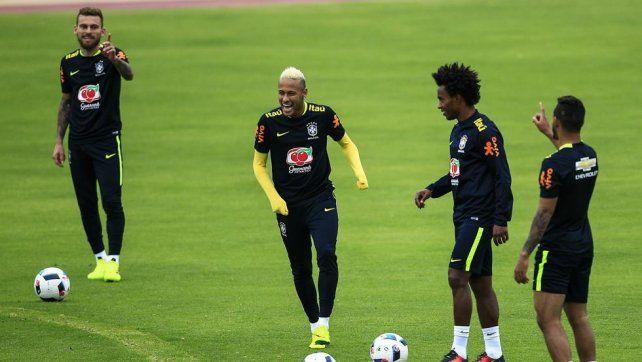 Fue todo un susto para la figura de Brasil que entrenó finalmente con normalidad.