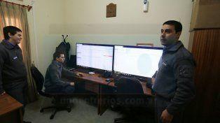 Las 24 horas. El Centro de Monitoreo del SPER funciona con cuatro guardias y con tecnología de punta.