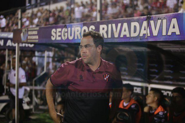 El entrenador de Patronato brindó sus primeros testimonios de la pretemporada.