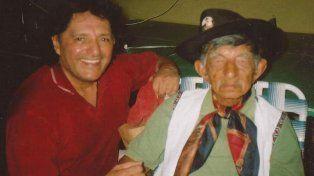 Amistad. Monchito Merlo lo visitaba cada año en el hogar de ancianos.