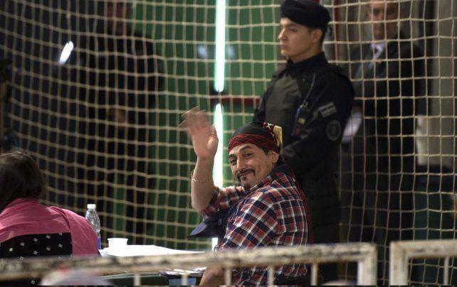 Juzgado. Facundo Jones Huala durante una audiencia del juicio de extradición en la ciudad de Bariloche. El tribunal falló en su contra.