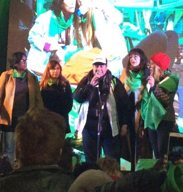 Joe Lemonge subió al escenario principal y apuntó contra la justicia entrerriana