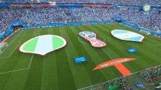 Argentina sufrió, ganó y avanzó a octavos de final