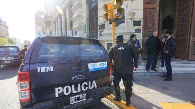 Cibercrimen. En los allanamientos trabajó personal especializado de la Policía Federal de Buenos Aires.