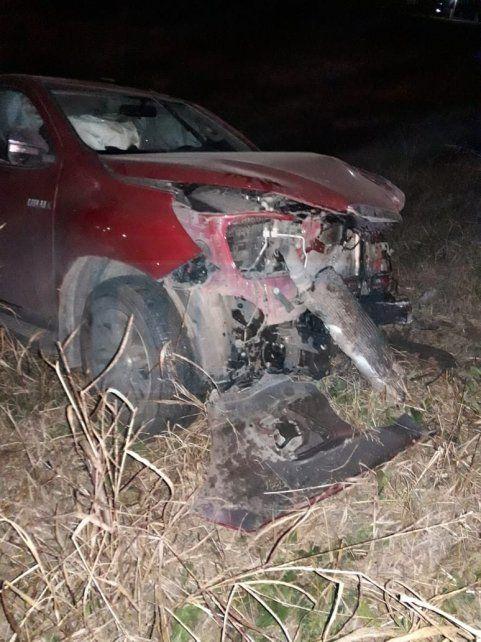 Trágica colisión. El Renault 9 colisionó con la camioneta Toyota.