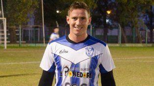 Izaguirre jugó Federal B para Viale FBC.