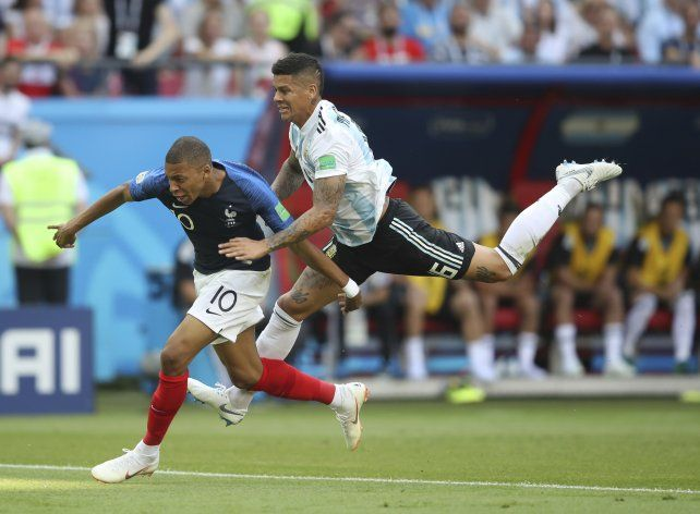 De héroe a villano: la falta de Rojo que terminó en el gol de Francia
