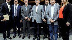 Los gobernadores buscan el traspaso de AySA y las eléctricas a Buenos Aires y Capital Federal, y el atraso en la baja de Ingresos Brutos.