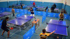La entidad paranaense de tenis de mesa, con sede en Fray M. Esquiú 860 de la ciudad de Paraná, no para de crecer y sigue sumando jugadores de todas las edades a sus filas en ambas ramas de la especialidad.