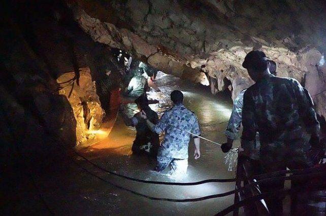 El video del momento en que encuentran a los chicos de Tailandia