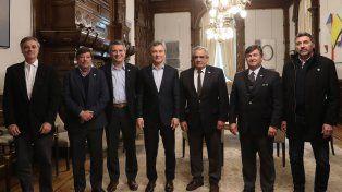 El presidente Mauricio Macri se reunió con las autoridades de la Mesa de Enlace agropecuaria en el marco de una audiencia celebrada en la Casa Rosada.
