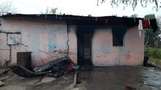 Nenes jugando provocaron un incendio que destruyó una casa