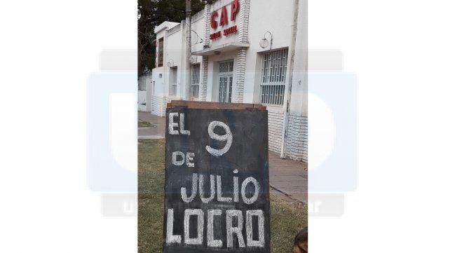Reserve para el 9 de Julio. Aunque todo aumenta. El locro del Club Atletico Paraná sigue a 100 pesos... el 9 de Julio encargue en el club nomás.