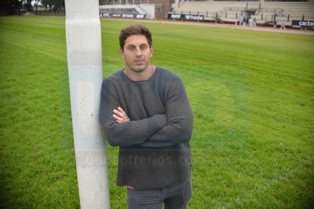 El paranaense Nicolás Coronel, surgido en el CAE, revivió junto a UNO su experiencia en Inglaterra. Foto <b>UNO </b>Mateo Oviedo