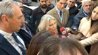 Irónica. Carrió con mucho humor respondió algunas de las preguntas de los periodistas.