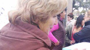 La señora que aprovechó a levantar firmas a favor de la vida.