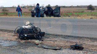 Ruta 18 trágica: Autos chocaron de frente y dos personas perdieron la vida