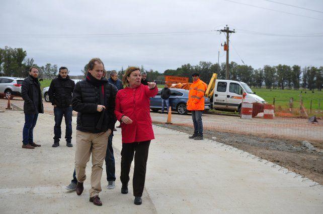 Dato. La recorrida fue propicia para aclarar sobre el nulo aporte de la Nación a las obras de pavimento.