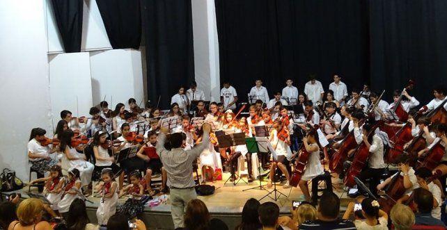 La Orquesta-escuela Río de los pájaros da un recital