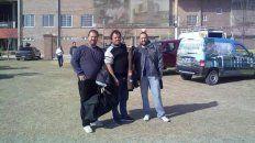 Mauro Meyer junto a Edgardo Comar y Matías Larraule, en una cobertura periodística