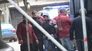 Nervioso. Tras el trámite judicial fue llevado al penal de Ezeiza. Foto: Clarín