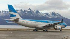 en un mensaje durante el vuelo, pilotos de aerolineas argentinas denuncian falta de controles