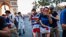 serios incidentes en los festejos de paris