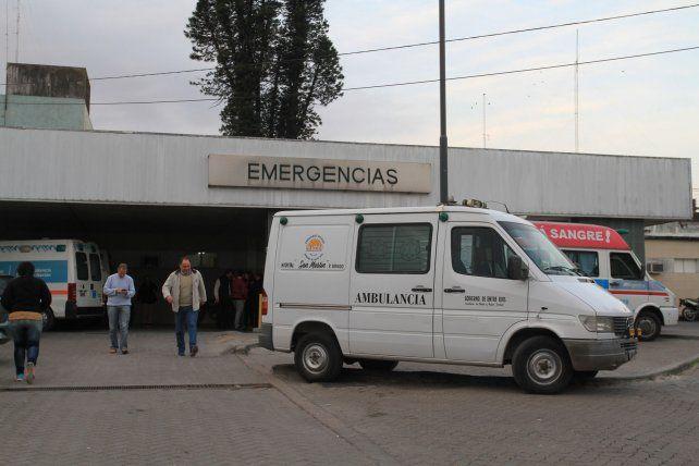 Allanaron tres viviendas en Anacleto Medina por el adolescente baleado en Anacleto Medina norte