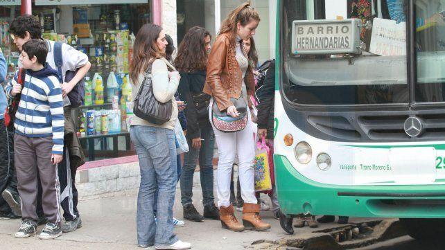 Tras el reclamo de los vecinos, la línea 7 volverá a bajar al barrio Anacleto Medina Sur
