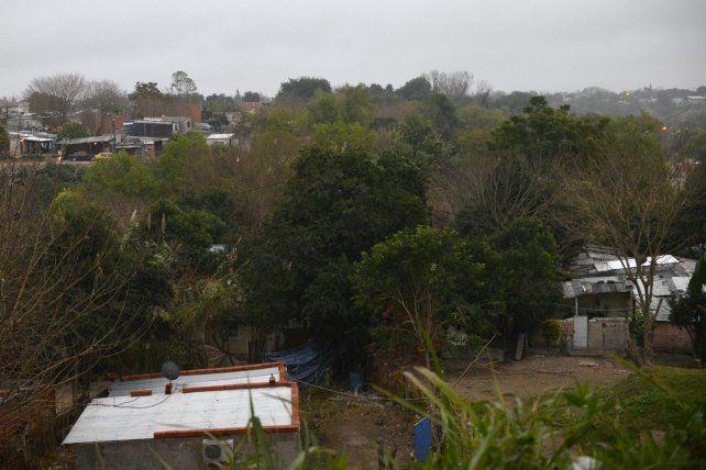 A los tiros, una banda amedrenta a vecinos para quedarse con sus viviendas