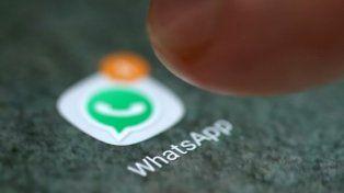 WhatsApp ahora avisa si un mensaje de texto, audio, foto o video fue reenviado